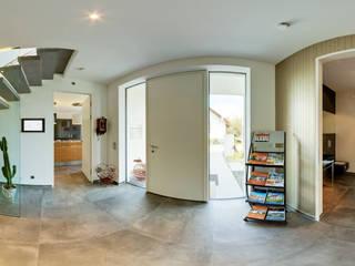 Ein virtuell begehbares Musterhaus | 360° - Panorama Moderner Flur, Diele & Treppenhaus von 360° | PanoFoto-Franken Modern