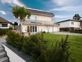 Außenansicht: moderne Häuser von Franz & Köhler Immobilien GbR