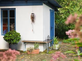 Freisitzmöbel / Terrassenmöbel: modern  von Studio Hartensteiner,Modern
