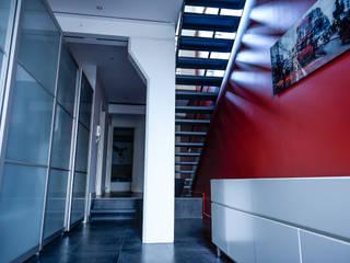 Réabilitation d'une maison individuelle: Maisons de style  par Arana.Architecture