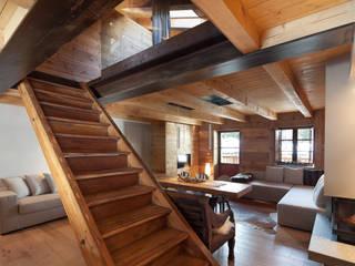 Коридор, прихожая и лестница в скандинавском стиле от archstudiodesign Скандинавский