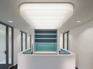 Elegante Kurven - Umbau einer Büroetage in Berlin:  Bürogebäude von Maedebach & Redeleit Architekten