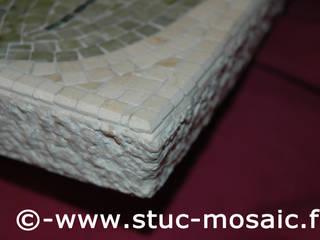 vasque en marbre avec mosaique sur-mesure:  de style  par Stuc Mosaic