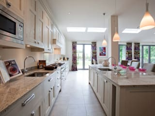 "Bespoke Kitchen "" The Staffordshire "":  Kitchen by G & R Furniture Limited"