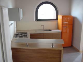 REALIZZATORI DI IDEE Moderne Küchen