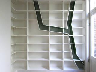 CabinetY:   door Obliq Architectuur, Minimalistisch