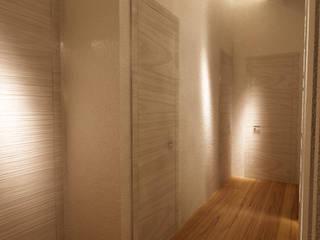 Studio di Segni Modern corridor, hallway & stairs