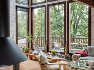 Salas de estar modernas por HOUSE HABITAT Moderno