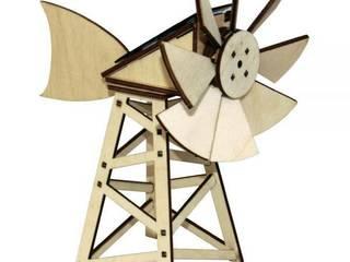 Maquette en bois éolienne solaire américaine par Jardin Design Deco Eco Éclectique