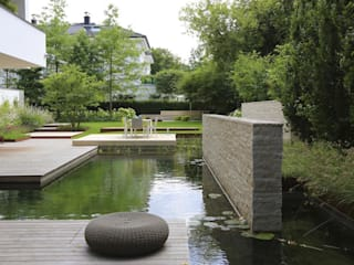 BIOTOP Natural Pool - City Centre Oasis by BIOTOP Landschaftsgestaltung GmbH