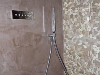 Décoration d'une maison à Embrun:  de style  par L'atelier Coralie Reynard
