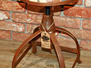 TABURETE INDUSTRIAL:  de estilo industrial de muebles radio vintage, Industrial