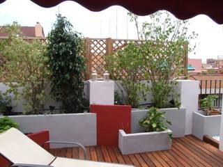 Diseño de paisajismo de terraza:  de estilo  de PG8 Estudio de Ingeniería y Diseño
