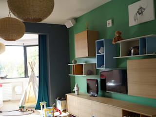 Maison de famille près de Paris: Maisons de style  par Charlotte Cittadini