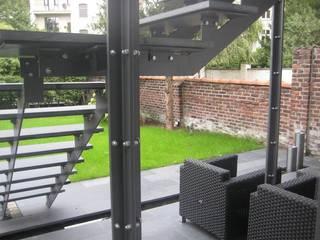 Gartenumgestaltung mit Treppenbau Privathaus Düsseldorf:   von Projekt:EINRICHTUNG