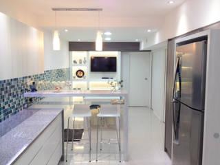 Modern Kitchen by Estudio Nicolas Pierry Modern