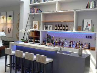 Concrete counter for a private Moderne Hotels von Concrete LCDA Modern Beton