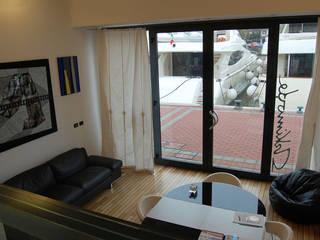 Harbour's Loft - Rimini Riviera Soggiorno moderno di Studio Arkimode Moderno