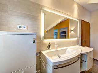Maßarbeit:  Badezimmer von Innenarchitektin Katrin Reinhold