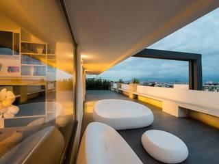 Attico sullo Stretto Balcone, Veranda & Terrazza in stile minimalista di Mobilificio Marchese Minimalista