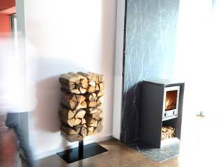 Holzregal Wooden Tree: modern  von Radius Design,Modern