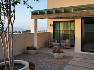 Rousseau Arquitectos Modern terrace