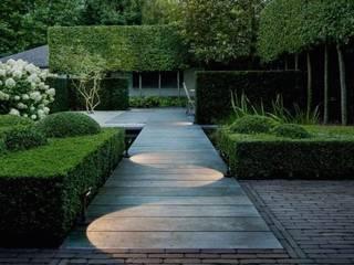 Landscape Design bei Firma: moderner Garten von Paul Marie Creation