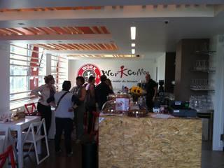Workcoffee Bergamo: Gastronomia in stile  di ARCHITECNO