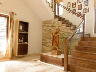 Jaya & Rajesh Modern Corridor, Hallway and Staircase by Cozy Nest Interiors Modern