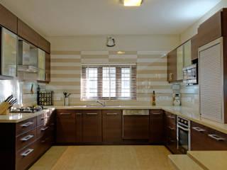 Jaya & Rajesh Modern Kitchen by Cozy Nest Interiors Modern