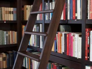 Büchertreppe:   von Schulte Design