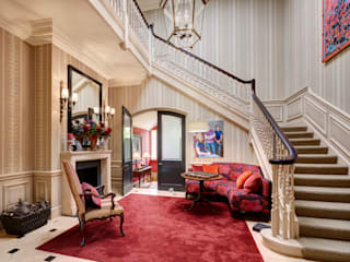 Classical Entrance Hall:  Corridor & hallway by White Linen Interiors Ltd