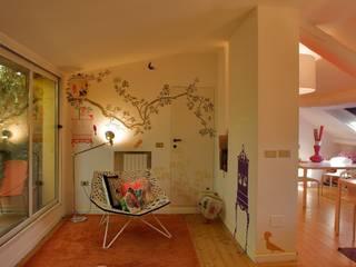 Offices: Studio in stile  di SILVIA MASSA STUDIO