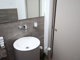 Modern bathroom by STUDIO PAOLA FAVRETTO SAGL - INTERIOR DESIGNER Modern