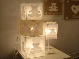 Lampe cube à poser chambre bébé ours blanc (organdi):  de style  par Berceau magique