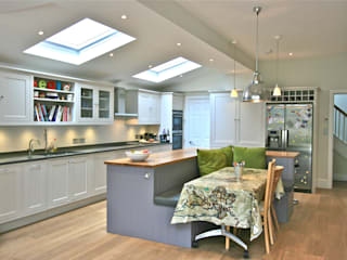 Richmond, London Kitchen by Laura Gompertz Interiors Ltd Classic