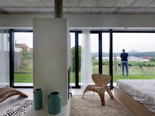 Окна и двери в стиле минимализм от Nan Arquitectos Минимализм
