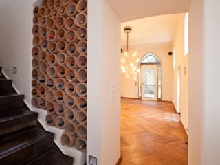 Corridor & hallway by Einwandfrei - innovative Malerarbeiten oHG,