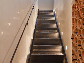 Pasillos y vestíbulos de estilo  de Einwandfrei - innovative Malerarbeiten oHG,