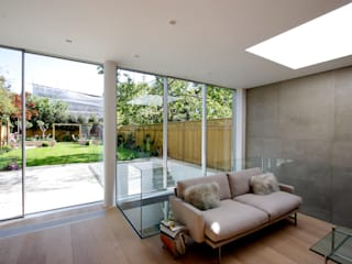 Herondale Modern living room by IQ Glass UK Modern