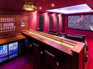 Salas multimedia de estilo  por Inspire Audio Visual, Clásico