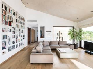 sala de estar Salones de estilo moderno de margarotger interiorisme Moderno