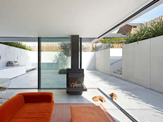 The Garden House IQ Glass UK Modern houses