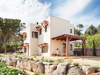 BEGUES de HOUSE HABITAT Moderno