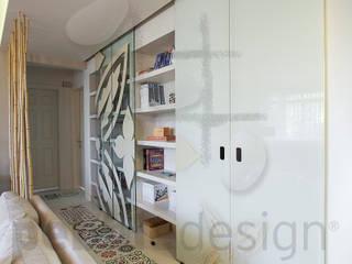 Görgülü Apartment/Akatlar Pebbledesign / Çakıltașları Mimarlık Tasarım Modern corridor, hallway & stairs
