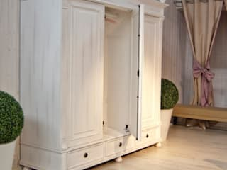 Kleiderschrank aus Holz: landhausstil Schlafzimmer von Massiv aus Holz