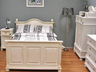 Massivholzbett im Landhausstil: landhausstil Schlafzimmer von Massiv aus Holz
