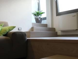 CASA VT Ingresso, Corridoio & Scale in stile minimalista di Daniele Spirito Architetto Minimalista