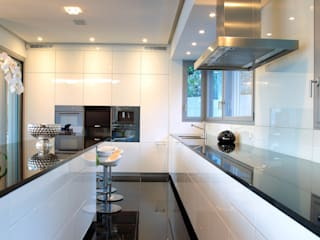 Balcon, Veranda & Terrasse modernes par Aldo Rampazzi Studio di Architettura Moderne