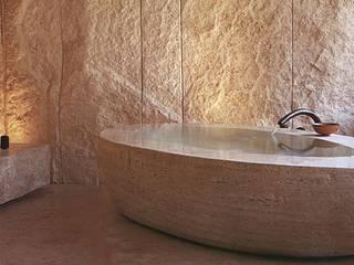 Naturstein Badewanne:   von Struker Fliesen